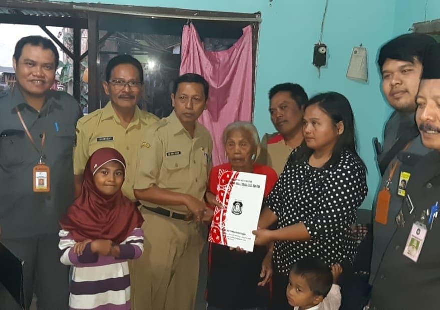 UPT Dampingi Kepulangan PMI dan Anak-anaknya